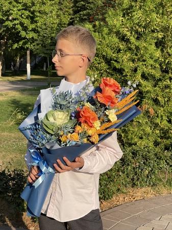 Достоевский - купить цветы и аксессуары в интернет-магазине Дом цветов