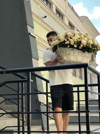 WHITE - купить цветы и аксессуары в интернет-магазине Дом цветов